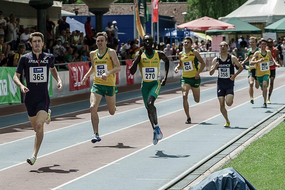 Joseph Deng and Lachlan Barber both on their way to new PB's in the men's 800m.